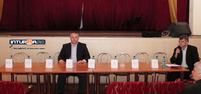 """Avram Gal, singurul candidat prezent la dezbaterea """"Eu cu cine votez?"""""""