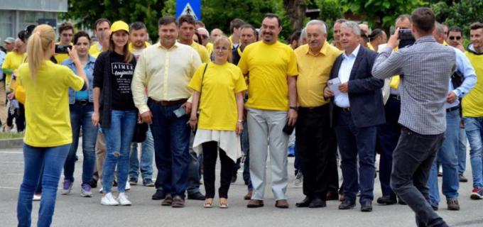 """Daniel Buda în Turda: """"Alături de actualul și viitorul primar al Municipiului Turda, colegul și prietenul meu, Tudor Ștefănie"""""""