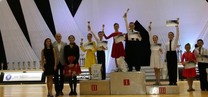 6 medalii pentru dansatorii turdeni la Romanian International Dance Cup & Campionatul Mondial Junior 2