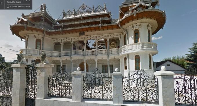 Celebrul palat ţigănesc din Turda, scos din nou la vânzare de Fisc