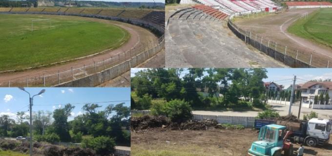 Primăria municipiului Turda execută lucrări de salubrizare la Stadionul Municipal