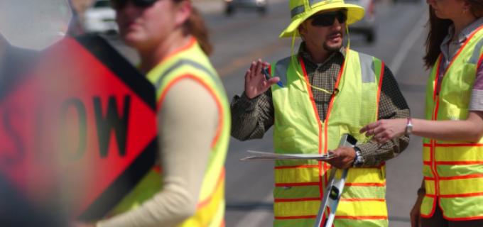 Firmă din Turda angajează MUNCITORI NECALIFICAȚI în construcții de drumuri și autostrăzi