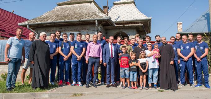 VIDEO: Acțiune caritabilă inițiată de Primarul Cristian Matei și AHC Potaissa Turda