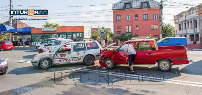 Un nou accident rutier pe fondul neacordării de prioritate