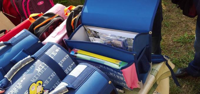 Clubul Rotary Câmpia Turzii a derulat un proiect prin care 50 de elevi au primit câte un ghiozdan