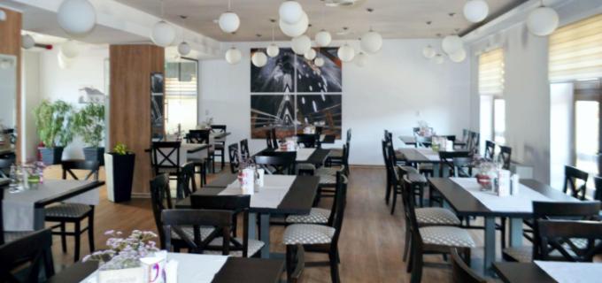 Restaurantul din incinta Hotelului Potaissa s-a deschis pentru publicul larg