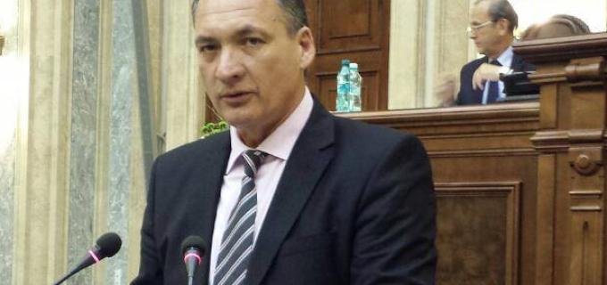 Alexandru Cordoș a adresat o interpelare referitoare la refacerea marcajelor rutiere