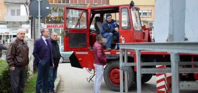Cristian Matei și-a respectat promisiunea! Prima baterie de pubele subterane din Turda a fost instalată astăzi: