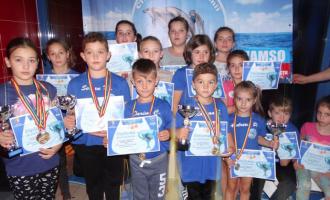 Delfinii turdeni au venit acasă de la Bistrița cu 17 medalii