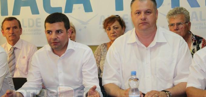 Sute de membri ALDE își depun astăzi demisiile din partid și se declară Pro Daniel Constantin
