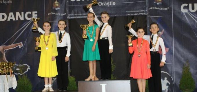 Dansatorii turdeni au obținut 8 medalii la Cupa PRODANCE de la Orăștie