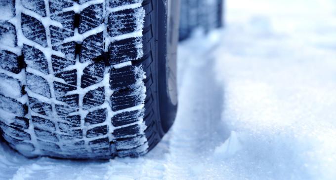 Poliţia Română recomandă folosirea anvelopelor de iarnă
