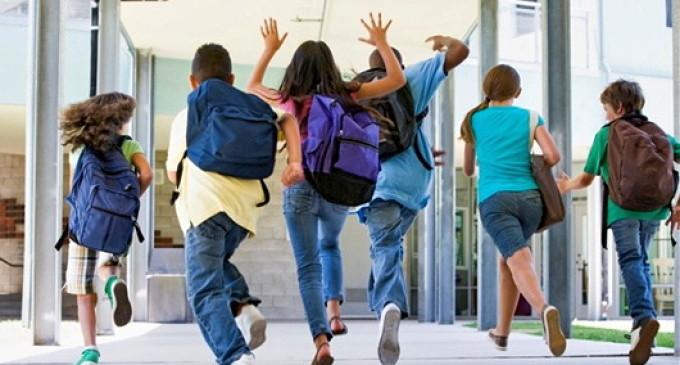 Naveta elevilor poate fi decontată chiar dacă au o școală în localitate!