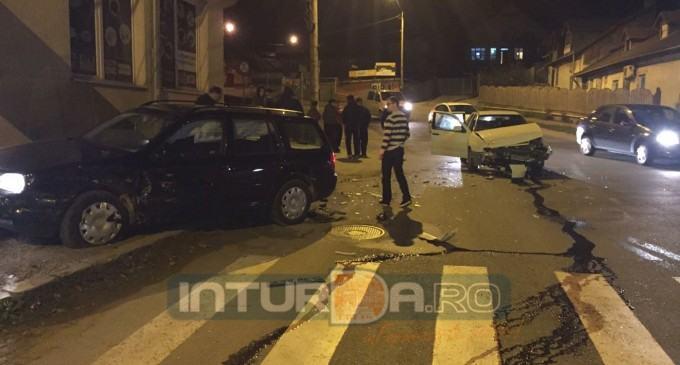 VIDEO/FOTO: Accident violent în intersecția dintre strada Traian și strada Alba Iulia