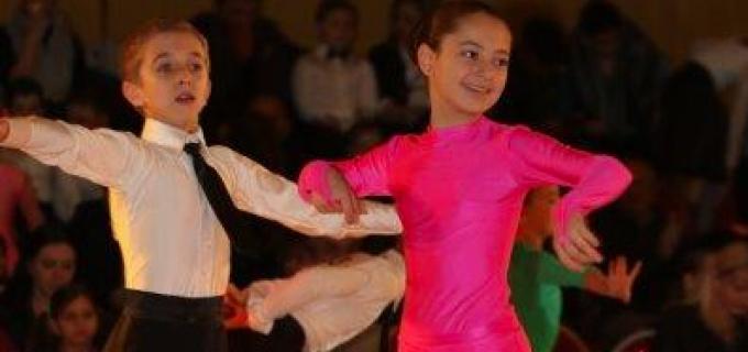Dansatorii turdeni au participat  la 3 competiții naționale. Vezi aici rezultatele obținute