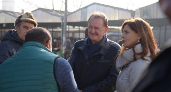 """Cristina Burciu: """"Fiecare român trebuie să aibă condiții decente de muncă și un salar care să îi permită la sfârșitul zilei să pună mâncare pe masa familiei sale"""""""