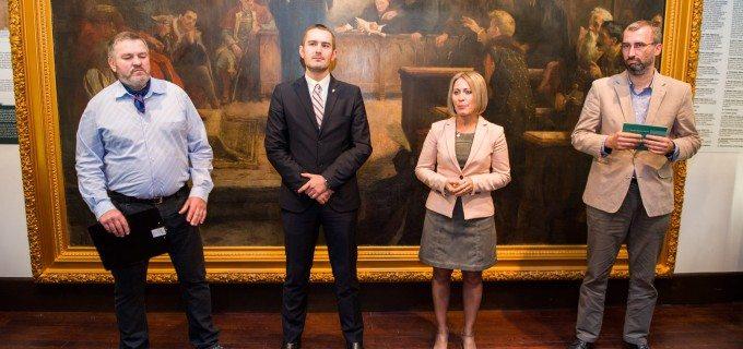 """FOTO/VIDEO: Expoziția """"Turda între medieval și modern"""" a fost deschisă la Muzeul de Istorie"""