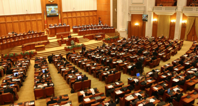 Pensiile speciale ale parlamentarilor au fost eliminate! Turcan: Este un gest de respect faţă de milioanele de pensionari din ţară