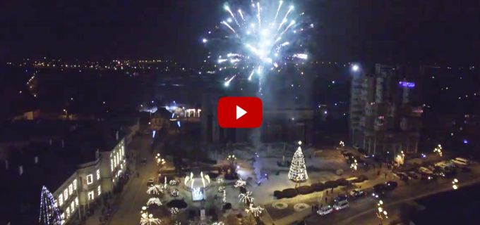 VIDEO: Turdenii au întâmpinat Noul An cu un spectaculos foc de artificii
