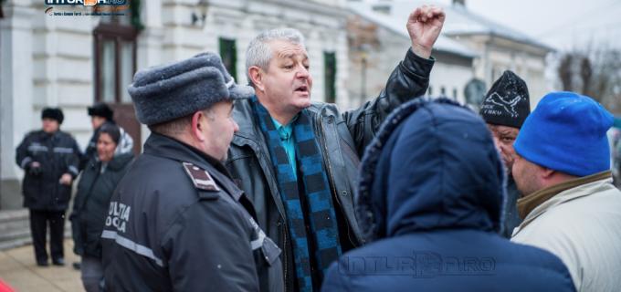 """Grupul consilierilor locali PNL Turda: """"Ne dați, ne dați, ne dați ori nu ne dați?!"""""""
