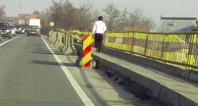 Reabilitarea podului de peste râul Arieș, din municipiul Turda, cerută de urgentă de Mihai Gotiu