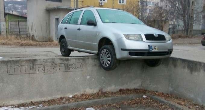 Poza zilei la Turda. Luni, zi cu ghinion pentru un conducator auto :)