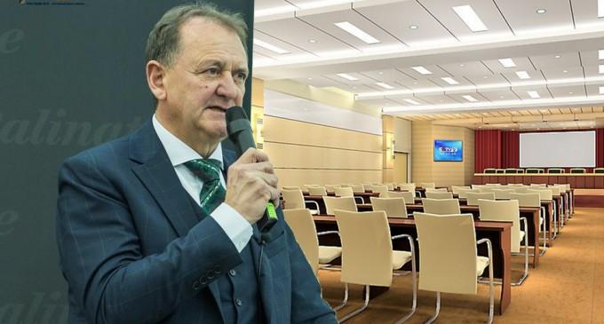 Cristian Octavian Matei: Conferințe și Team-Building la Turda pentru companii precum Coca-Cola sau Pepsi