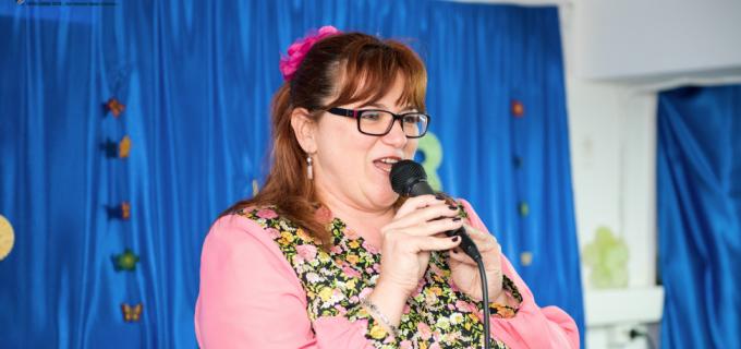 """VIDEO/Foto: Eveniment dedicat """"Zilei Mamei"""" la Centrul de zi pentru persoane vârstince"""