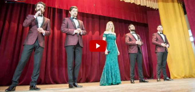 """VIDEO/Foto: """"Iubim Femeia"""" – Spectacol alături de Ad Libitum Voices la Câmpia Turzii"""