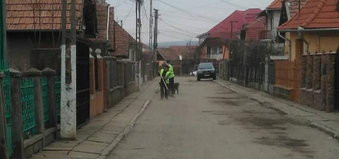 """Cetățenii de pe strada Călărașilor: """"În premieră, strada noastră a fost inclusă în programul de curățenie al orașului!"""""""