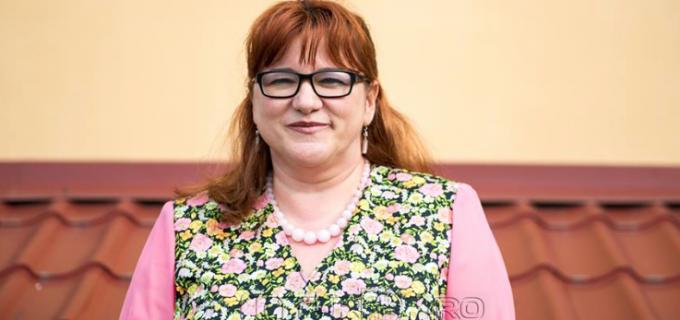 Adela Zai a plecat la București pentru finala Galei Naţionale a Excelenţei în Asistenţa Socială