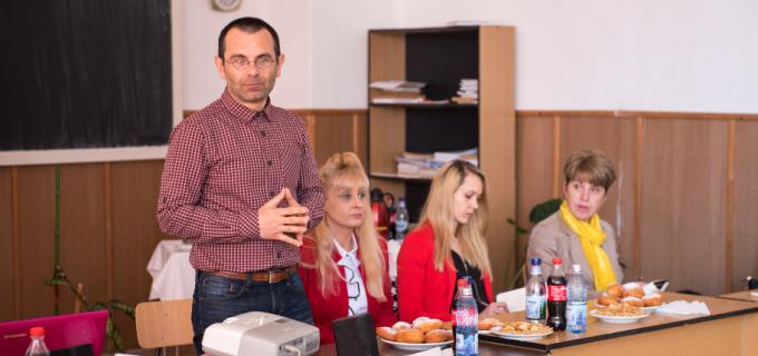 """VIDEO/Foto: Campania """"Mândru să fiu fermier"""" la Colegiul """"Emil Negruțiu"""" Turda"""