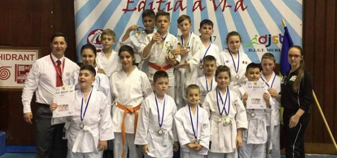 Clubul Samurai Turda la Cupa Dragon-Do, Târgu Mureș: 6 medalii de aur, 6 de argint și 4 de bronz!
