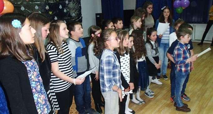 """Școala Gimnazială """"Teodor Murășanu"""" Turda a organizat prima ediție a Târgului de Paști"""