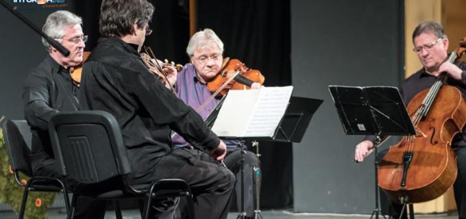 VIDEO: Seară magică la Turda. Recital Dorel Vișan, vernisaj și concert cameral al Cvartetului Transilvan al Filarmonicii Transilvania
