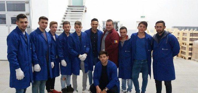 """Directorul Constantin Asprescu: """"SC Electroceramica SA este o firma de viitor. Dorim sa cream un mediu propice pentru dezvoltarea tinerilor in cadrul Electroceramicii"""""""
