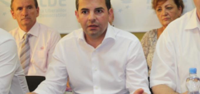 Daniel Constantin isi face partid si ia cu el mai multe organizatii ALDE!