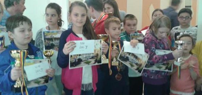 Șahiștii turdeni au obtinut rezultate excelente la turneele de sah de la Deva si Targu Mures