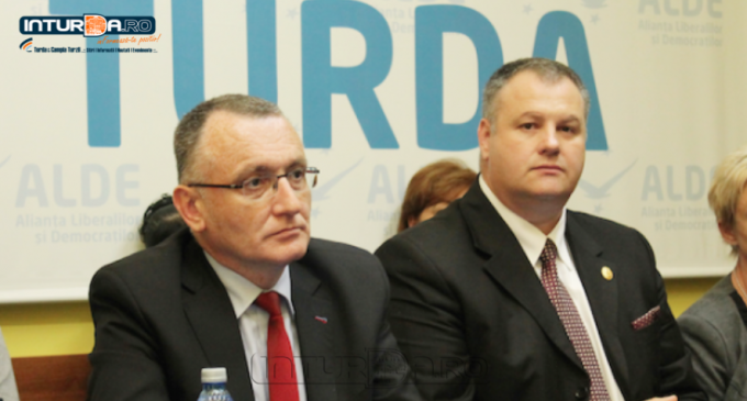 """Tăriceanu l-a exclus pe Sorin Câmpeanu din Comisia de Învățământ, pentru că acesta a părăsit ALDE. Irimie Mircea: """"Să nu ne mire faptul că Parlamentul este lipsit de performanță!"""""""