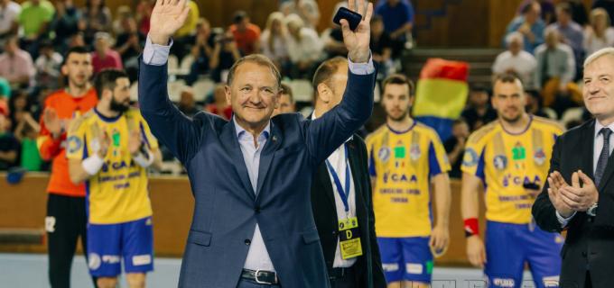 VIDEO: Primarul Municipiului Turda, Cristian Octavian Matei, a fost premiat de reprezentantul Federației Europene de Handbal!