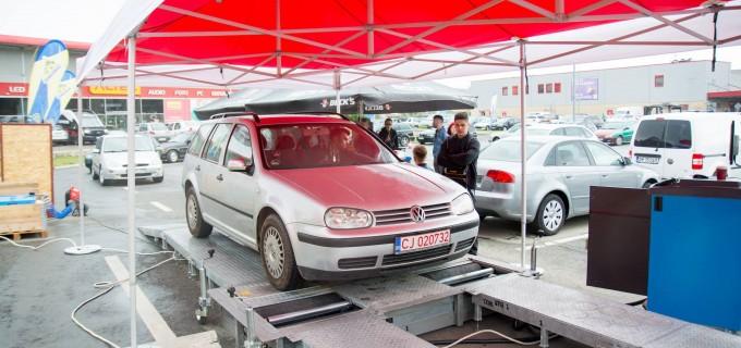 FOTO: Caravana PitStop este la Turda. Verificări gratuite a mașinilor!