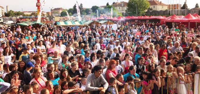 Târgul Produs de Cluj de la Câmpia Turzii a înregistrat cel mai mare succes de public la acţiuni desfăşurate în timpul zilei