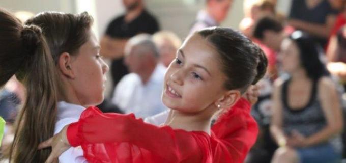 Dansatorii turdeni au cucerit 14 medalii la Cupa Teaca