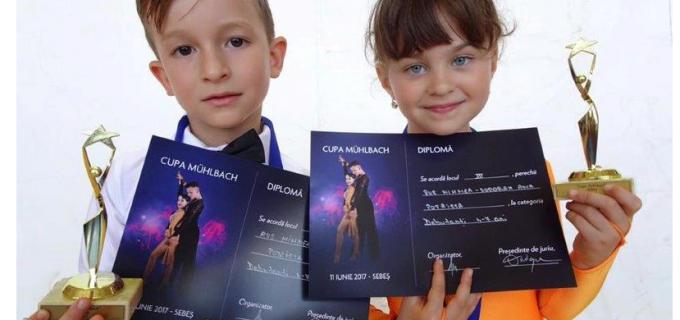 """Dansatorii turdeni au participat la Cupa """"Mühlbach"""" Sebeș. Vezi aici care sunt rezultatele obținute:"""