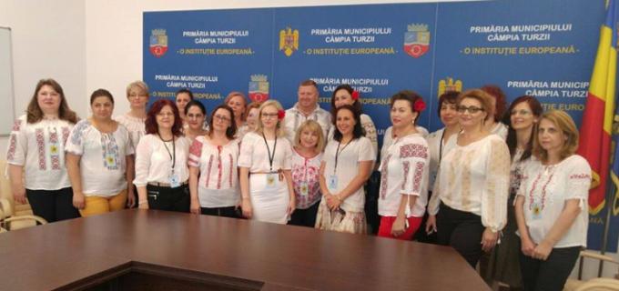 Echipa Primăriei Câmpia Turzii promovează tradiția românească