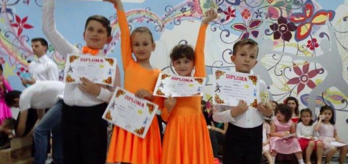 Dansatorii turdeni au avut o săptămână plină de evenimente