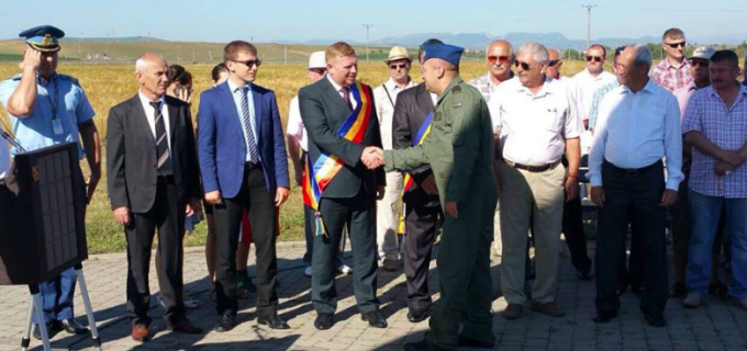 """Baza 71 Aeriană General """"Emanoil Ionescu"""" Câmpia Turzii împlineşte 35 de ani de activitate"""