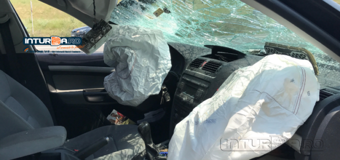 VIDEO: Coliziune între un autovehicul și un autocamion pe strada Clujului