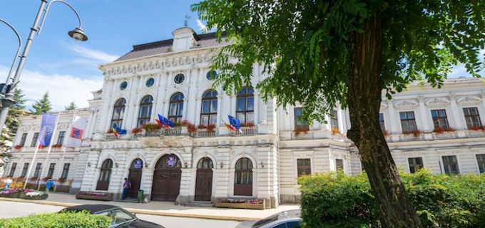 Primăria Turda anunță startul procedurii de licitație pentru concesionarea terenului de sport de la CNMV
