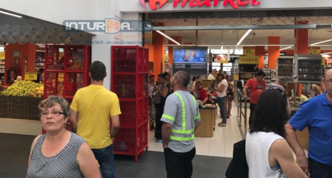 ATENTIE! Carrefour retrage de la vânzare produse infestate
